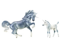 Breyer Horses Cascade & Caspian Unicorn Mare and Foal 1: 9 Traditional Scale 1818