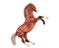 Breyer Horses Silver Bay Mustang 1:12 Classic Scale  947