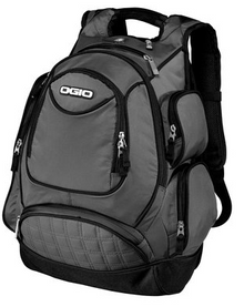 Stocked with options, this impressive bag organizes gadgetry and belongings for quick access.