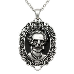 Skull Queen Cameo Necklace