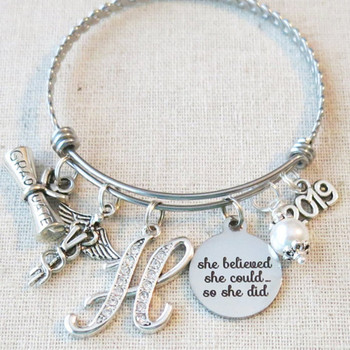 2019 VET GRADUATION Gift, Personalized Veterinarian Graduate Bracelet Gift, She Believed She Could So She Did Vet Graduation Gift