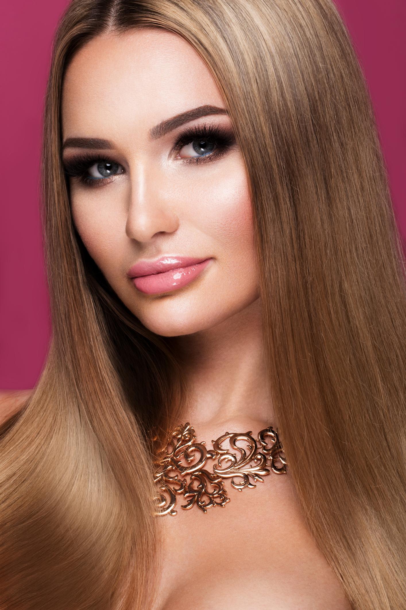 beauty-model-straight-hair-203.jpg