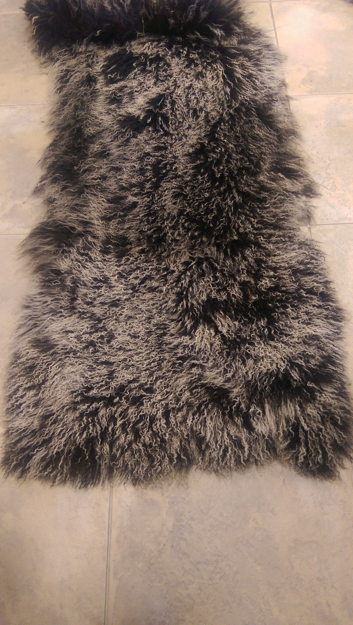 Dyed Tibet Lamb Plate 167-B014 Black with White Tips lambskin rug throw authentic