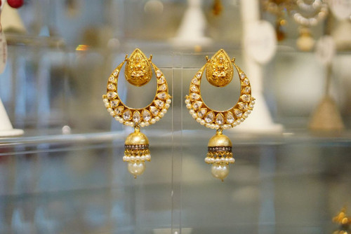 Earring with temple design and pearls