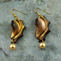 Natural Shell Earrings with Golden Pearls