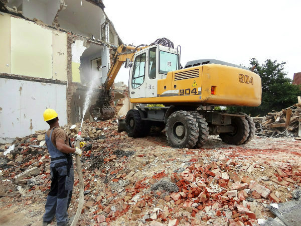 house-demolitions-549667-1920.jpg