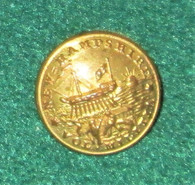 Beautiful non-dug New Hampshire State Seal button