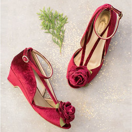 Joyfolie Holiday Arabella Shoe - Cranberry