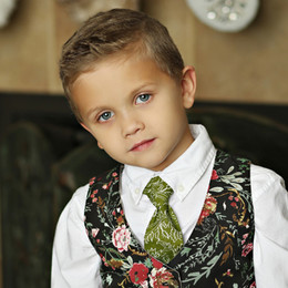 Mustard Pie Holiday Boy's Necktie - Holly