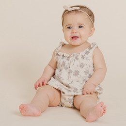 Rylee & Cru   Throwback Daisies Tie Onesie - Natural