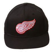 Detroit Red Wings Adjustable Hat, Black + Includes GT Sweat Wristband