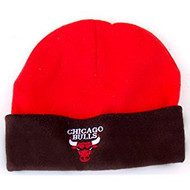 https://d3d71ba2asa5oz.cloudfront.net/12021311/images/chicago-bulls-cuff-fleece-beanie-red-blk.jpg