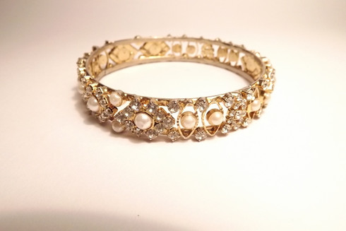 Diamante and Pearl Bracelet