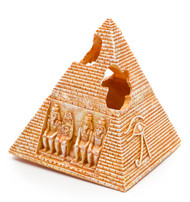 "Penn-Plax 5.5"" Egyptian Pyramid Resin Aquarium Ornament"
