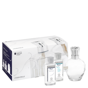 A concentration of purity and simplicity, this is the ideal Lampe Berger introductory boxed set including a clear glass round shaped lamp, a AIR PUR SYSTEM 3C® catalytic burner, 1 funnel, 1 stopper, an Essential Neutral fragrance 180ml and a Chic Paris fragrance 180ml.