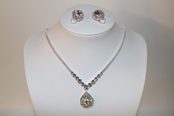 "Silver/Clear Rhinestone Pendant Necklace Set (earrings 1"")"