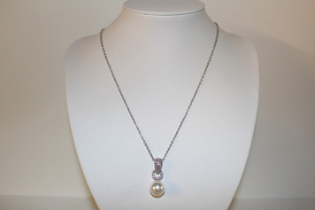 "Silver/Clear Crystal Pendant with Pearl (1"" drop)"