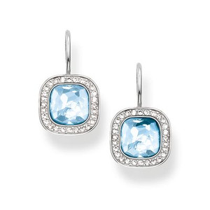 The dazzling aqua-blue THE SECRET OF COSMO swan-neck earrings reflect the secret of the cosmic colour spectrum in a truly special way: the sensual, hammered look of the blue synthetic spinel in the THOMAS SABO signature cut and the feminine cushion shape make these earrings crafted from 925 Sterling silver sparkle like stars in the sky.