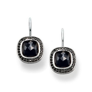 Surrounded by dazzling black pavé zirconia, the deep-black onyx in the THOMAS SABO signature cut lends these SO BLACK swan-neck earrings crafted from blackened 925 Sterling silver their enigmatic sparkle.