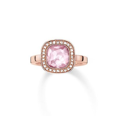 The secret of the cosmos is reflected in the never-ending universe of colours of the sensual pink THE SECRET OF COSMO ring: the sensual, hammered look of the pink synthetic corundum in the THOMAS SABO signature cut and the feminine cushion shape make this ring with 18kt rose gold plating reflect light like sparkling stars.