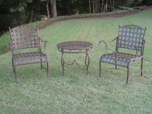 International Caravan Set of 3 Santa Fe Iron Nailhead Bistro Set