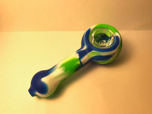 Large Silicone Pipe w/Glass Bowl
