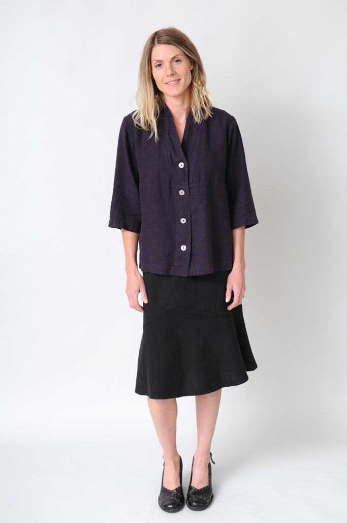 Women's hemp clothing offers ecological and functional advantages.
