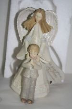 FND 4007258 Communion Boy & Angel