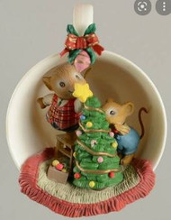 TRS573701 DECK THE HALLS COZY CUP SERIES