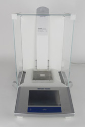 Mettler Toledo XS105 Dual Range Analytical Balance