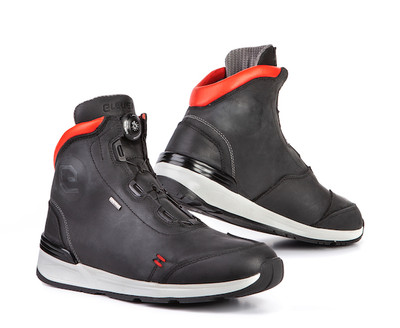 Eleveit Versus Boots - Black / Red