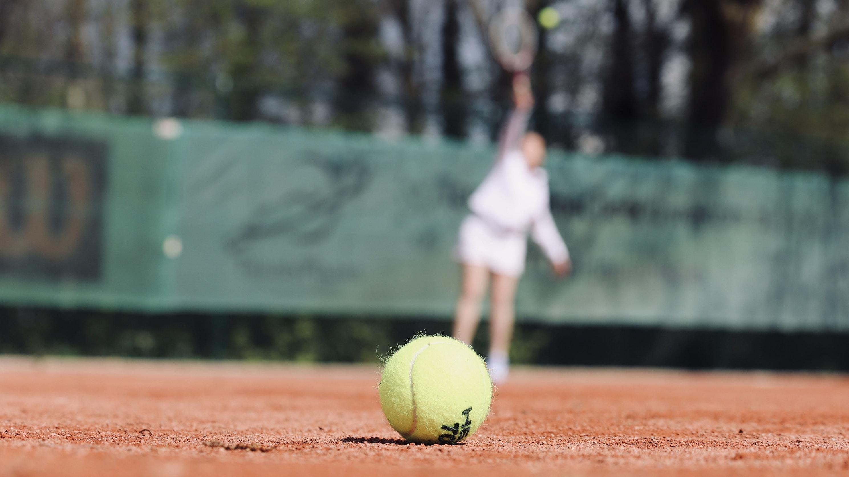 tennis court net posts