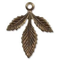 30X24MM TRIPLASIAN LEAF VINTAJ NAT. BRASS
