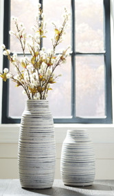 Donaver Gray/White Vase Set (2/CN)