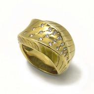 Dune Ring | Gold and Diamonds | Modern Jewelry by K.MITA