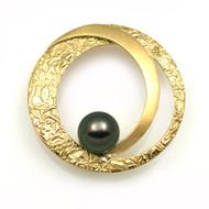 Midori Pin/Pendant by K. Mita, Modern Fine Jewelry