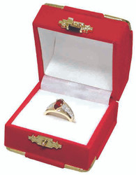 Red Ring Flocked Velour Clasped Box