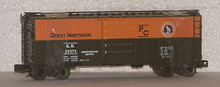 Weaver Great Northern (org/green) 40' PS-1 box car, 3 rail or 2 rail