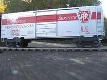 Weaver special run PRR Express Service 40' PS-1 box car, 3 rail or 2 rail