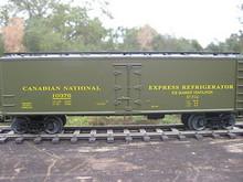 Weaver Canadian National  40' Reefer, 3 or 2 rail