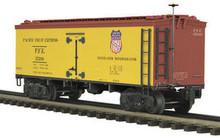 MTH Premier Pacific Fruit Express 36' wood reefer,  3 rail