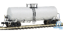 Atlas O Undecorated  17,600 gallon  tank car, 3 rail or 2 rail