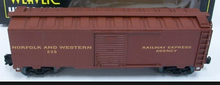 Weaver N&W-REA  1920's-1960's ARA 40' box car, 3 rail or 2 rail