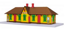 MTH O gauge M&M's country passenger station