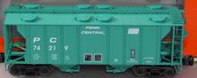 Lionel Penn Central 34'  PS-2  covered hopper car, 3 rail