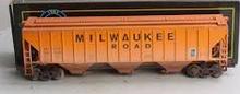 Weaver MILW  50' PS-2CD (4740) covered hopper, 2 rail  or 3 rail