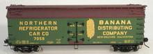 Atlas O Banana Distributing 40' wood reefer, 3 rail or 2 rail  car