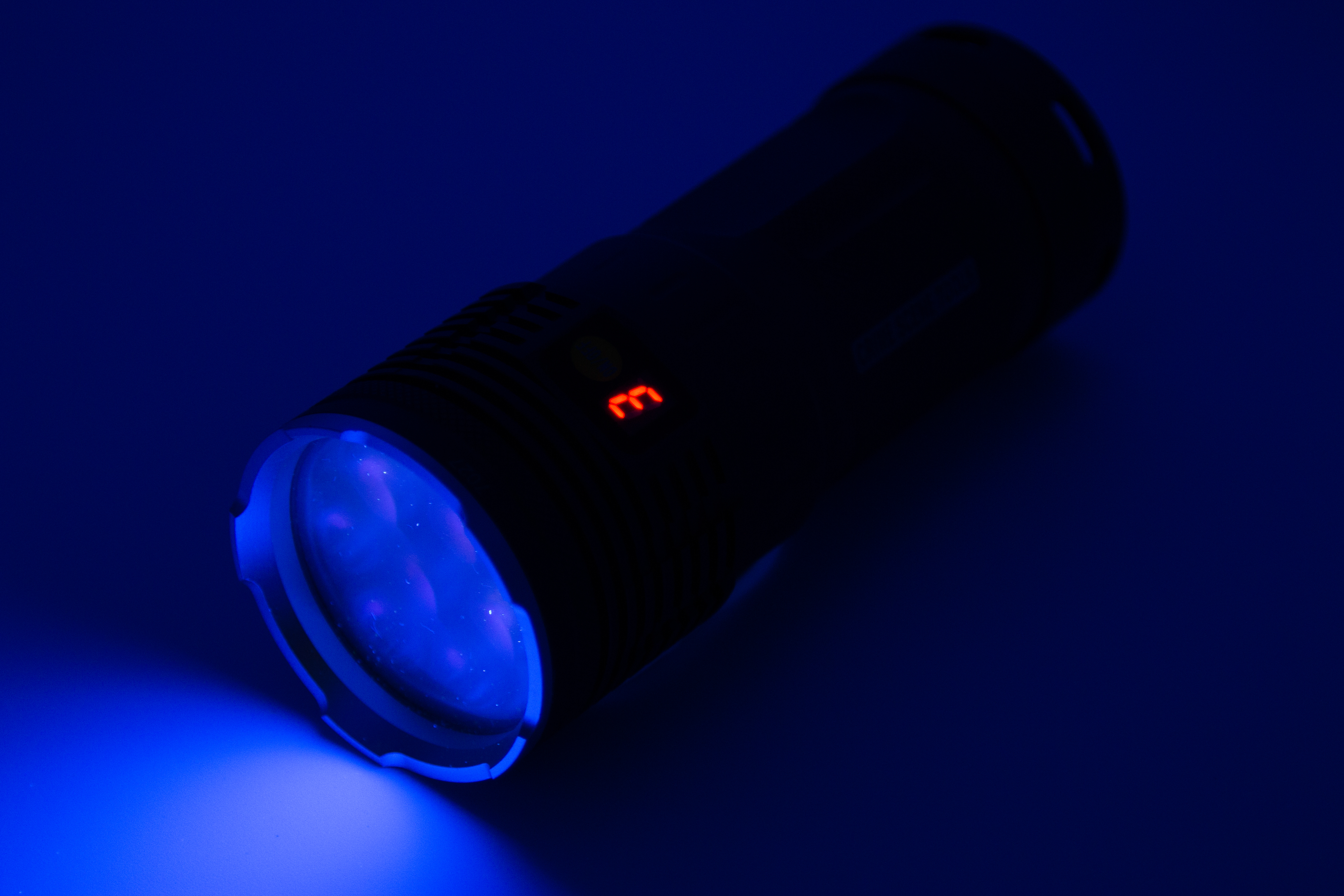 New flashlights with LED mode indicator and side-charging port