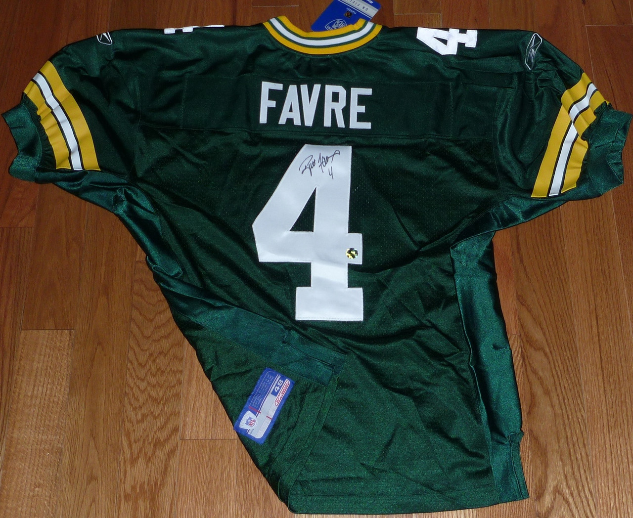 online retailer e0a59 62b03 GREEN BAY PACKERS BRETT FAVRE AUTOGRAPHED AUTO REEBOK AUTHENTIC JERSEY TAG  SZ 48