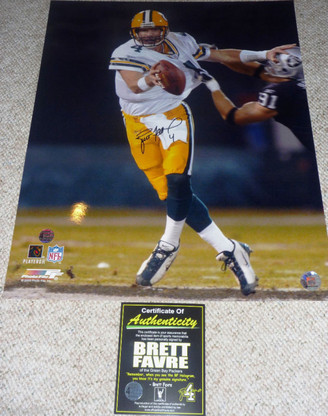GREEN BAY PACKER BRETT FAVRE AUTOGRAPHED SIGNED 16x20 FOOTBALL RAIDERS Brett Favre Authentic COA and matching numbered Hologram